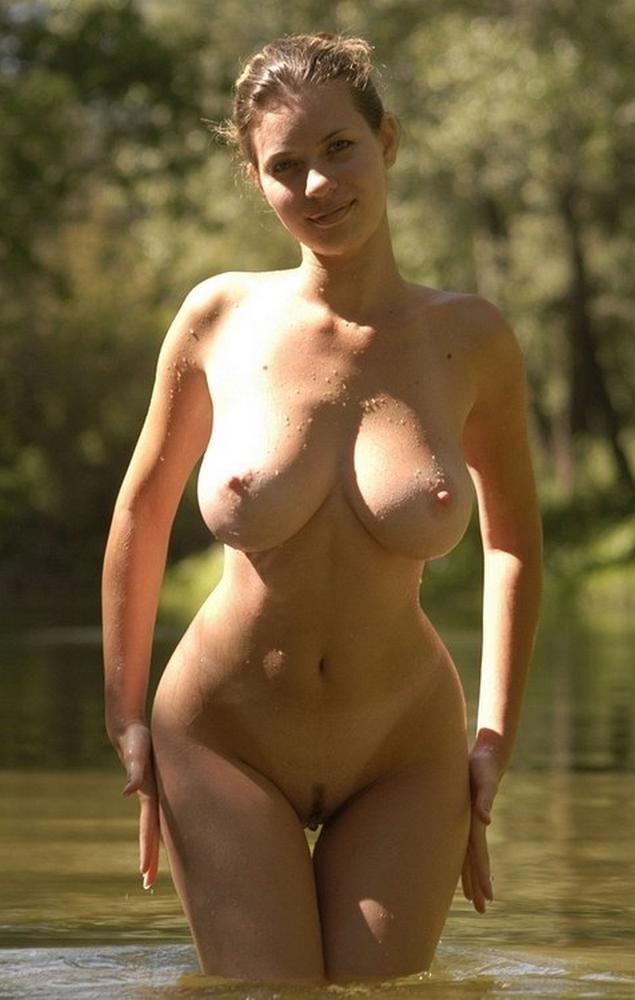 голые девушки фигуристые фото