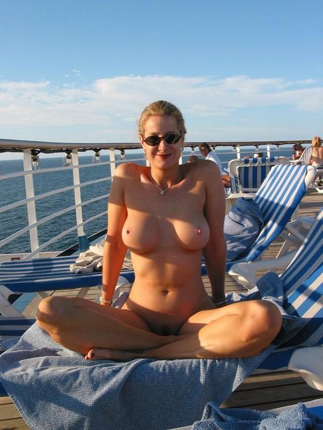 Nude women hermaphrodite
