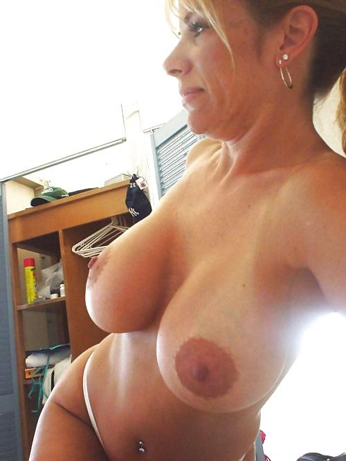Фото голых дам грудь