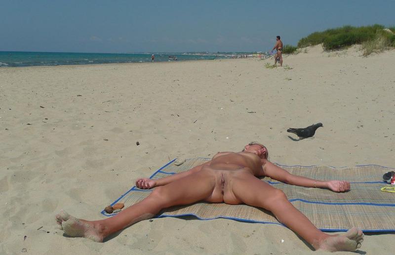zakritie-eroticheskie-plyazhi-foto